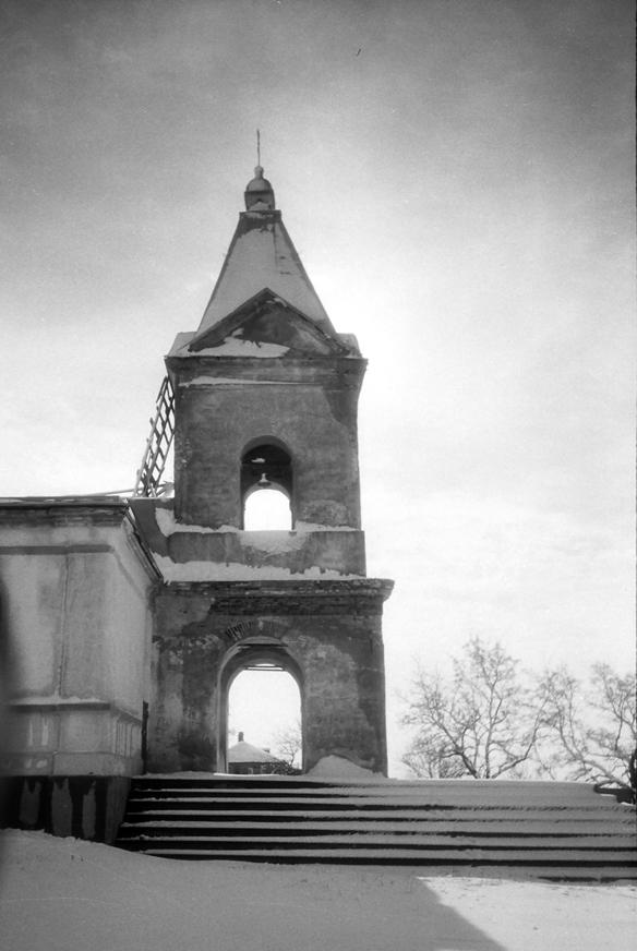 фото 2 , колокольня, храм в 1998 г.